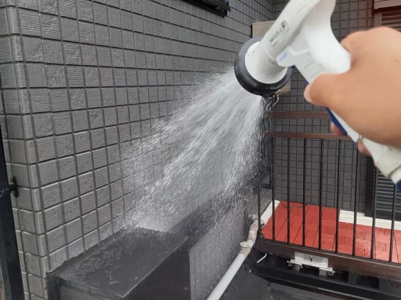 雨漏りの散水試験調査